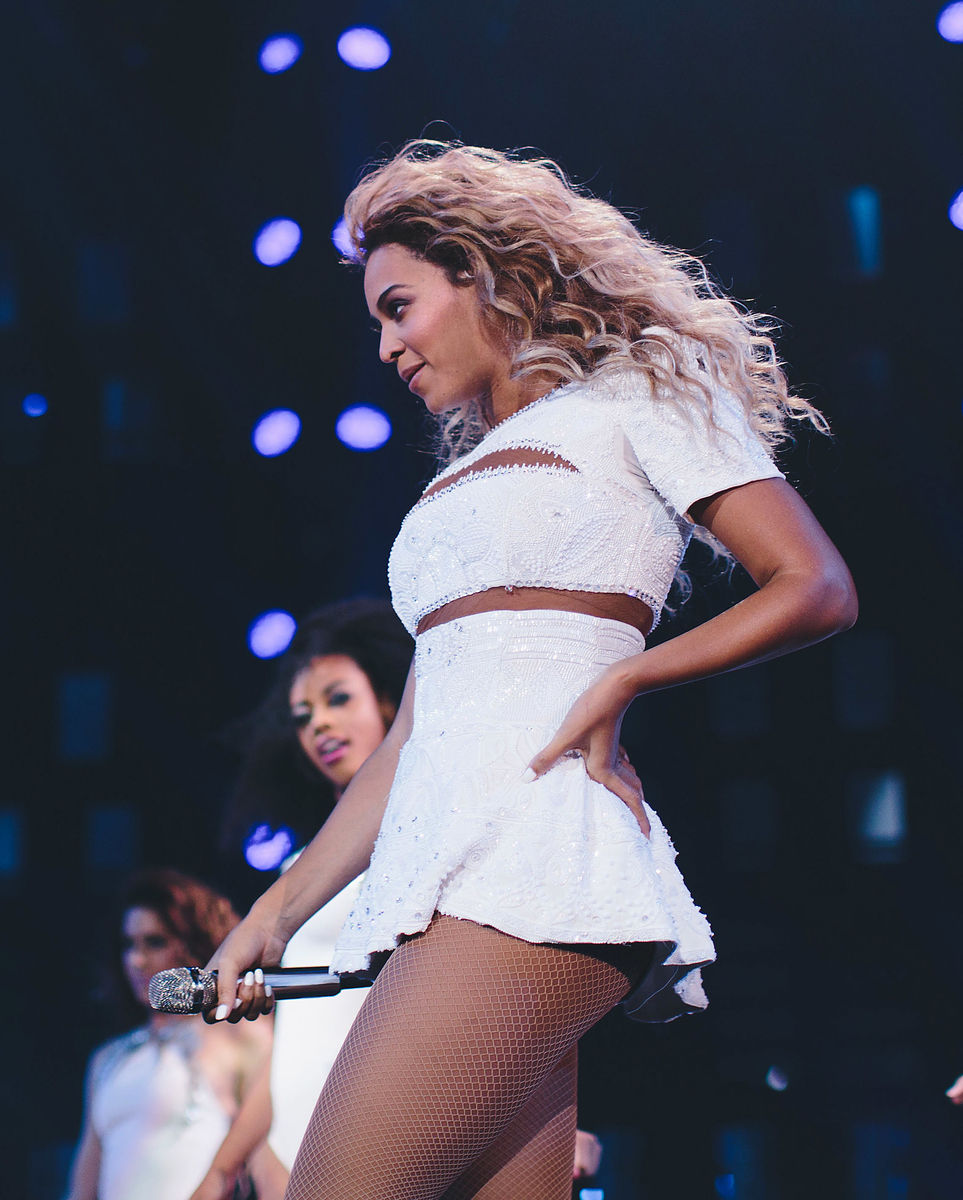Beyonce – The Mrs Carter World Tour