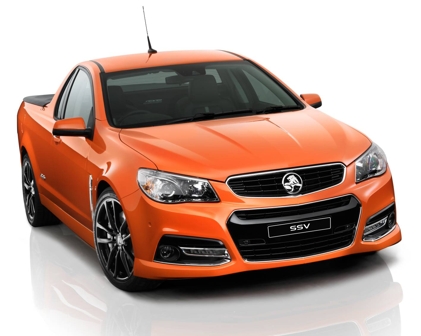 Holden VF SS V sedan and ute (3)