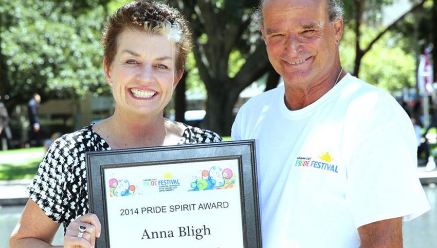 Anna Bligh receves award for Sunshine Coast Pride