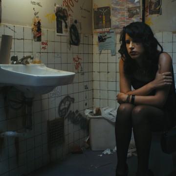 Desiree Akhavan in Appropriate Behavior (Photo: Danielle Lurie)