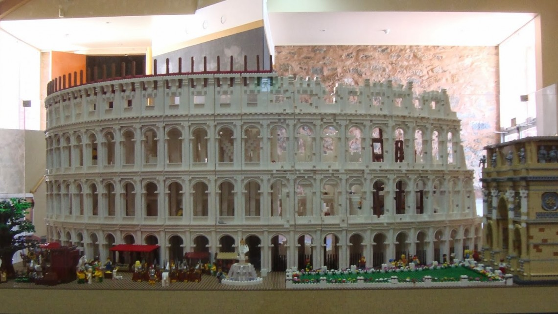 Lego Colosseum cropped 2_Sept 2013