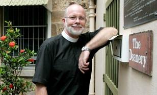 Dr Peter Catt