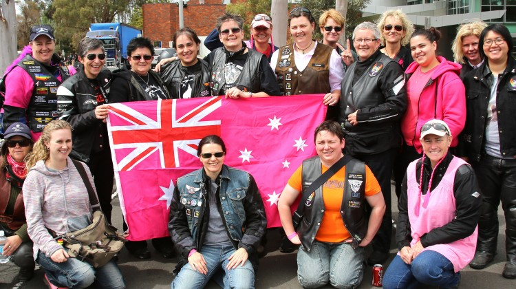 dykes on bikes Melbourne Pink ribbon ride 2013