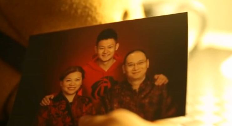 china PFLAG chinese family gay son