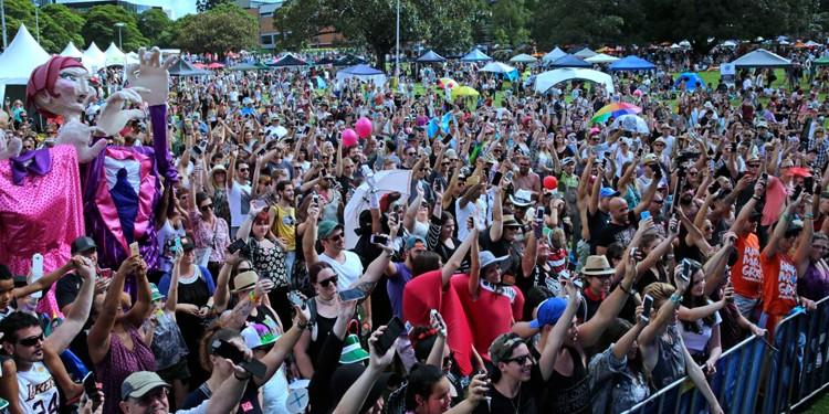 phones Mardi Gras Fair Day 2015