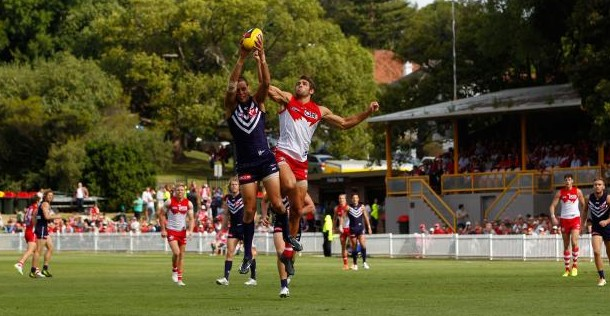 The Sydney Swans take on Fremantle Dockers at AFL's first-ever Pride Match. (Picture: afl.com.au)