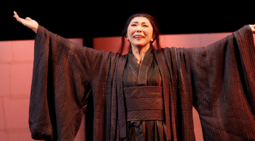 Hiromi Omura performs the role of Cio-Cio-San in Opera Australia's Madama Butterfly (2015). (PHOTO: Jeff Busby)