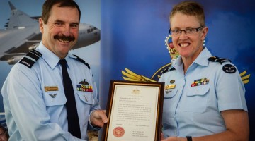 Air Marshal (Leo) Davies, Chief of RAAF (left) with Tracy Smart. (PHOTO: Supplied by the Department of Defence)