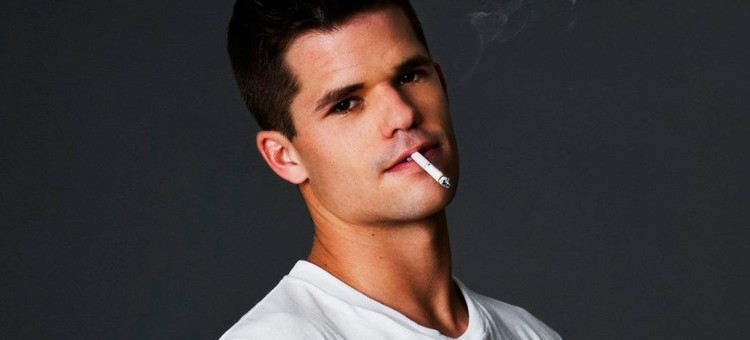 Charlie Carver, who has starred in Desperate Housewives, Teen Wolf and The Leftover, has publicly revealed his is gay. (Image via Twitter)